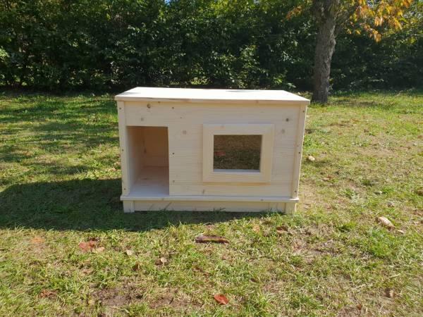 Schutzhütte mit Fenster